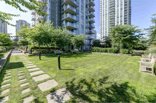 "Photo 19: 2102 3008 GLEN Drive in Coquitlam: North Coquitlam Condo for sale in ""M2 by Cressey"" : MLS®# R2403758"