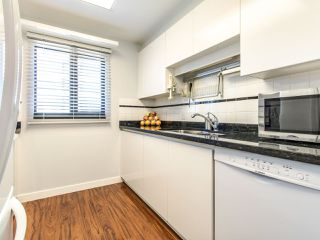 """Photo 6: 1303 1155 HOMER Street in Vancouver: Yaletown Condo for sale in """"City Crest"""" (Vancouver West)  : MLS®# R2412766"""