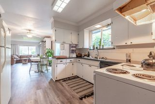 """Photo 15: 2323 LOBBAN Road in Abbotsford: Central Abbotsford House for sale in """"DOWNTOWN ABBOTSFORD"""" : MLS®# R2436328"""