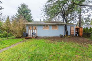 """Photo 16: 2323 LOBBAN Road in Abbotsford: Central Abbotsford House for sale in """"DOWNTOWN ABBOTSFORD"""" : MLS®# R2436328"""