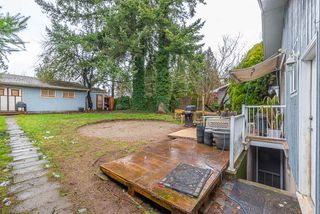 """Photo 17: 2323 LOBBAN Road in Abbotsford: Central Abbotsford House for sale in """"DOWNTOWN ABBOTSFORD"""" : MLS®# R2436328"""