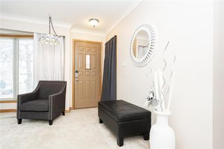 Photo 6: 124 Donegal Bay in Winnipeg: Morse Place Residential for sale (3B)  : MLS®# 202006724