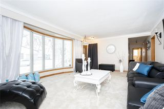 Photo 5: 124 Donegal Bay in Winnipeg: Morse Place Residential for sale (3B)  : MLS®# 202006724
