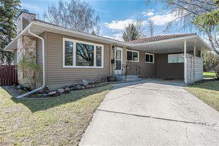 Photo 3: 611 75 Avenue SW in Calgary: Kingsland Detached for sale : MLS®# C4296092