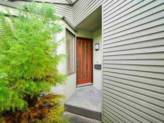 """Photo 4: 4713 GLENWOOD Avenue in North Vancouver: Canyon Heights NV Townhouse for sale in """"Montroyal Village"""" : MLS®# R2464484"""