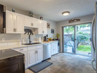Photo 13: 22 2560 Wilcox Terr in Central Saanich: CS Tanner Row/Townhouse for sale : MLS®# 843974