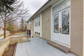 Photo 3: 335 Chester Le Boulevard in Toronto: L'Amoreaux House (Bungalow-Raised) for sale (Toronto E05)  : MLS®# E5069013