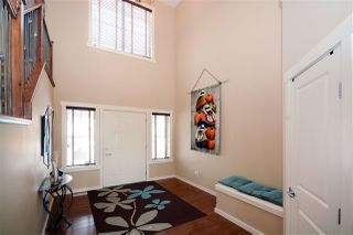 Photo 2: 1335 KAPYONG Avenue in Edmonton: Zone 27 House for sale : MLS®# E4224711