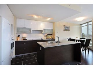 "Photo 4: 402 175 W 2ND Street in North Vancouver: Lower Lonsdale Condo for sale in ""VENTANA"" : MLS®# V933531"