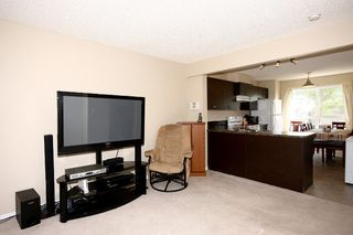 Photo 8: 6 Erin Woods Court SE in Calgary: Erinwoods House for sale : MLS®# C3531056