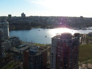 Photo 9: # 2302 212 DAVIE ST in Vancouver: Yaletown Condo for sale (Vancouver West)  : MLS®# V983040