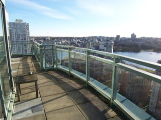 Photo 4: # 2302 212 DAVIE ST in Vancouver: Yaletown Condo for sale (Vancouver West)  : MLS®# V983040