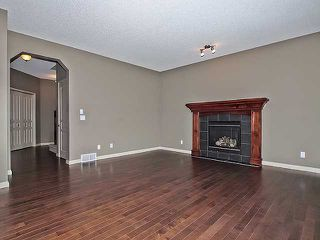 Photo 5: 118 Aspen Hills Drive SW in Calgary: Aspen Woods House for sale : MLS®# C3606583