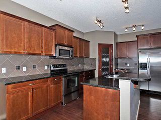 Photo 2: 118 Aspen Hills Drive SW in Calgary: Aspen Woods House for sale : MLS®# C3606583