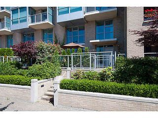 "Photo 2: 930 QUEBEC Street in Vancouver: Mount Pleasant VE Townhouse for sale in ""Citygate at Creekside"" (Vancouver East)  : MLS®# V1074861"