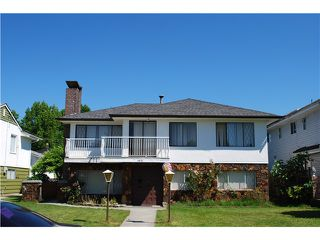 Photo 2: 4455 NAPIER Street in Burnaby: Willingdon Heights House for sale (Burnaby North)  : MLS®# V1075096