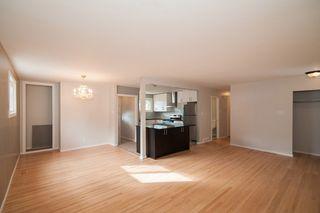 Photo 3: 857 Borebank Street in Winnipeg: Single Family Detached for sale : MLS®# 1424441