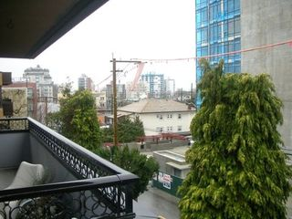 Photo 7: 401 1405 15 Ave W in Vancouver: FA Fairview Condo for sale (VW Vancouver West)  : MLS®# V624930