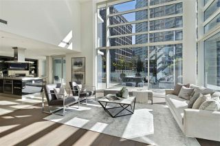 """Photo 5: 504 1139 W CORDOVA Street in Vancouver: Coal Harbour Condo for sale in """"Two Harbor Green"""" (Vancouver West)  : MLS®# R2398290"""