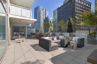 """Photo 10: 504 1139 W CORDOVA Street in Vancouver: Coal Harbour Condo for sale in """"Two Harbor Green"""" (Vancouver West)  : MLS®# R2398290"""