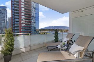 """Photo 8: 504 1139 W CORDOVA Street in Vancouver: Coal Harbour Condo for sale in """"Two Harbor Green"""" (Vancouver West)  : MLS®# R2398290"""
