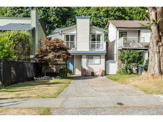 Photo 1: 186 SPRINGFIELD DRIVE in Langley: Aldergrove Langley House for sale : MLS®# R2399890