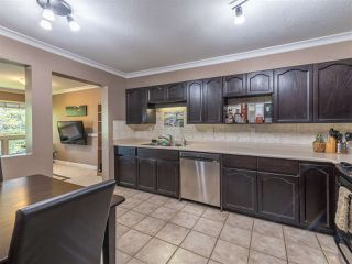 """Photo 10: 303 1230 QUAYSIDE Drive in New Westminster: Quay Condo for sale in """"TIFFANY SHORES"""" : MLS®# R2423059"""