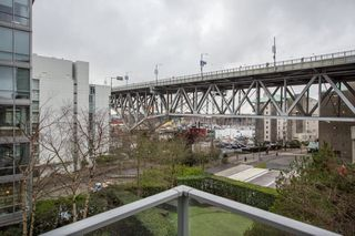 "Photo 9: 503 638 BEACH Crescent in Vancouver: Yaletown Condo for sale in ""Icon"" (Vancouver West)  : MLS®# R2430003"