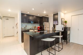"Photo 3: 503 638 BEACH Crescent in Vancouver: Yaletown Condo for sale in ""Icon"" (Vancouver West)  : MLS®# R2430003"