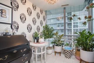"Photo 7: 503 638 BEACH Crescent in Vancouver: Yaletown Condo for sale in ""Icon"" (Vancouver West)  : MLS®# R2430003"