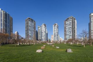 "Photo 18: 503 638 BEACH Crescent in Vancouver: Yaletown Condo for sale in ""Icon"" (Vancouver West)  : MLS®# R2430003"