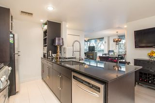 "Photo 2: 503 638 BEACH Crescent in Vancouver: Yaletown Condo for sale in ""Icon"" (Vancouver West)  : MLS®# R2430003"