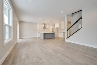 Photo 5: 9103 181 Avenue in Edmonton: Zone 28 House for sale : MLS®# E4187657
