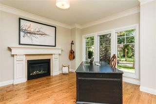 Photo 3: 9730 96 Street in Edmonton: Zone 18 House for sale : MLS®# E4195874