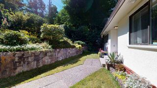 "Photo 2: 38151 CLARKE Drive in Squamish: Hospital Hill House for sale in ""Hospital Hill"" : MLS®# R2478127"