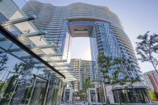 "Photo 2: 484 87 NELSON Street in Vancouver: Yaletown Condo for sale in ""THE ARC"" (Vancouver West)  : MLS®# R2498680"