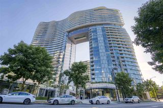 "Photo 1: 484 87 NELSON Street in Vancouver: Yaletown Condo for sale in ""THE ARC"" (Vancouver West)  : MLS®# R2498680"
