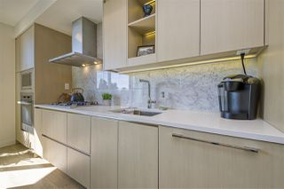 "Photo 10: 484 87 NELSON Street in Vancouver: Yaletown Condo for sale in ""THE ARC"" (Vancouver West)  : MLS®# R2498680"