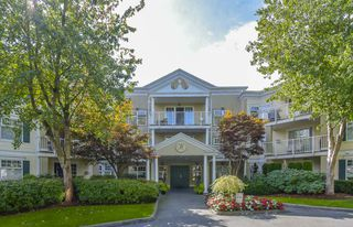 "Main Photo: 107 16065 83 Avenue in Surrey: Fleetwood Tynehead Condo for sale in ""Fairfield House"" : MLS®# R2500666"