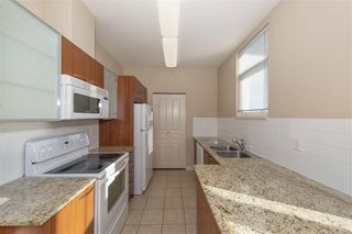 """Photo 5: 551 1432 KINGSWAY in Vancouver: Knight Condo for sale in """"KING EDWARD VILLAGE"""" (Vancouver East)  : MLS®# R2512307"""