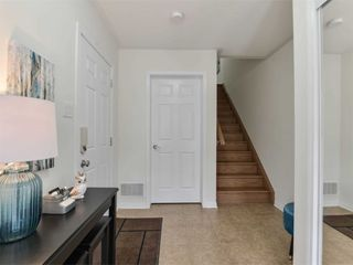 Photo 5: 27 Reichert Court in Milton: Willmont House (3-Storey) for sale : MLS®# W4971581