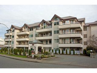 "Photo 1: 305 2526 LAKEVIEW Crescent in Abbotsford: Central Abbotsford Condo for sale in ""MILLSPRING MANOR"" : MLS®# F1228036"