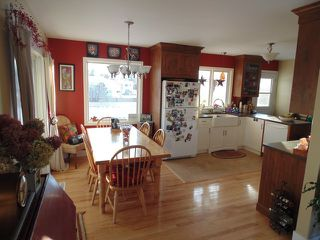 Photo 3: 647 Sunvalley Drive in Kamloops: Westsyde House for sale : MLS®# 119848