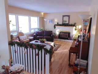 Photo 2: 647 Sunvalley Drive in Kamloops: Westsyde House for sale : MLS®# 119848
