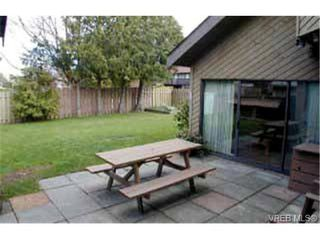 Photo 2: 4391 Robinwood Dr in VICTORIA: SE Gordon Head Single Family Detached for sale (Saanich East)  : MLS®# 307306
