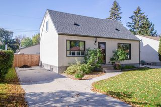 Photo 3: 448 Lyle Avenue in Winnipeg: St James Single Family Detached for sale (West Winnipeg)  : MLS®# 1424501