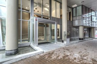 Photo 2: 515 38 W 1 AVENUE in Vancouver: False Creek Condo for sale (Vancouver West)  : MLS®# R2020284