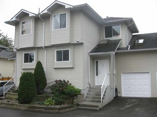 Photo 1: 4 19240 119 AVENUE in Pitt Meadows: Central Meadows Townhouse for sale : MLS®# R2064360