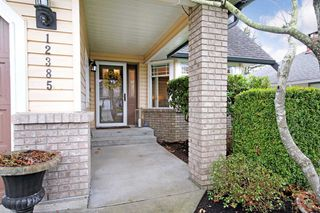Photo 2: 12385 NORTHPARK CRESCENT in Surrey: Panorama Ridge House for sale : MLS®# R2334351