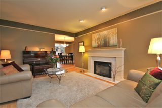 Photo 4: 12385 NORTHPARK CRESCENT in Surrey: Panorama Ridge House for sale : MLS®# R2334351